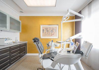 Behandlungszimmer in der Zahnarzt Praxis Frie in der Neuenkirchener Str. 2 in Gütersloh