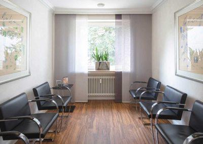 Wartezimmer der Zahnarzt Praxis Frie in der Neuenkirchener Str. 2 in Gütersloh